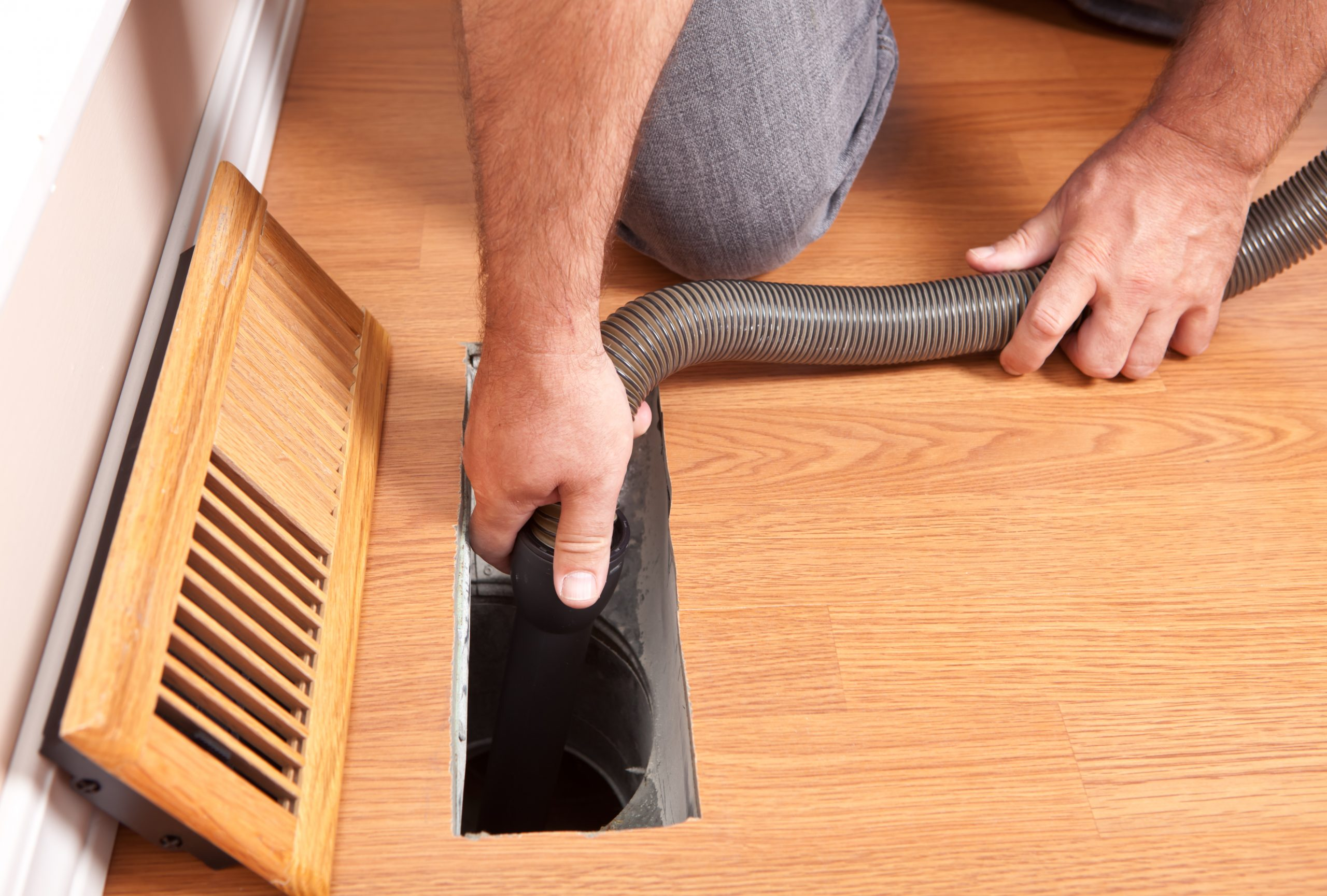 Professionnel nettoyage conduits ventilation, conduits sécheuse, conduits échangeur d'air